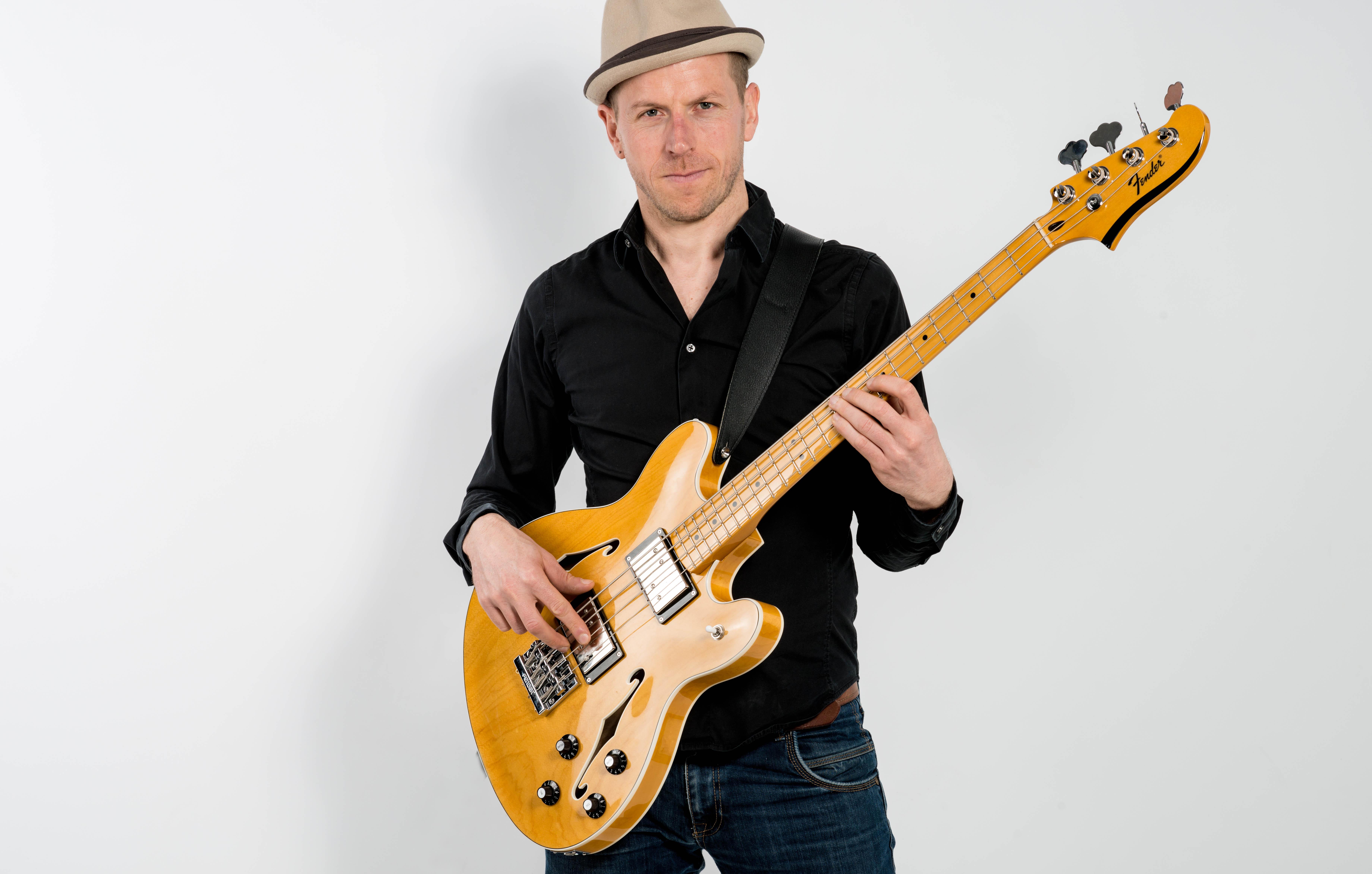 bassiste contrebassiste Paris